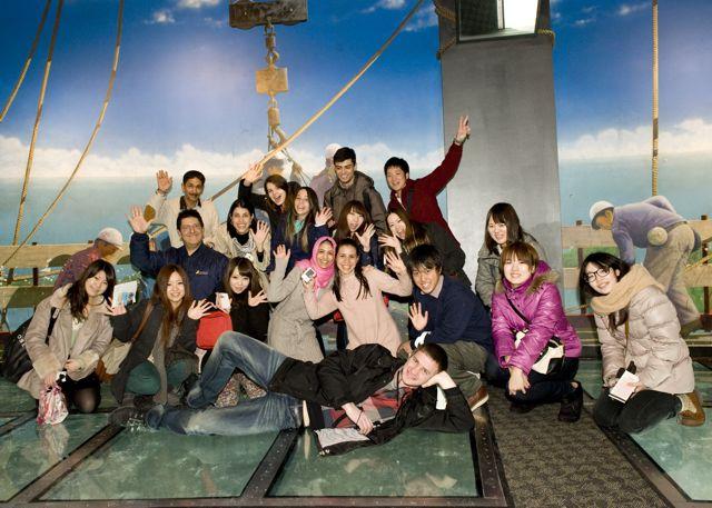 Škola angličtiny ILAC Toronto, studenti školy v počítačové učebně
