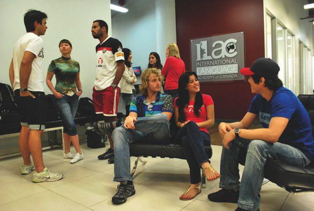 Budova školy ILAC Toronto