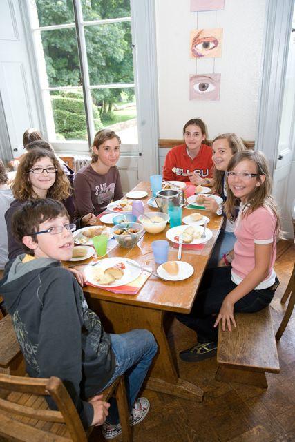 Společná snídaně dětí