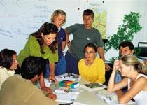 Škola němčiny Dialoge - Bodensee Sprachschule, studenti při výuce